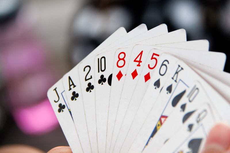 Learn how to play bridge with our beginners and improvers nigh classes for adults